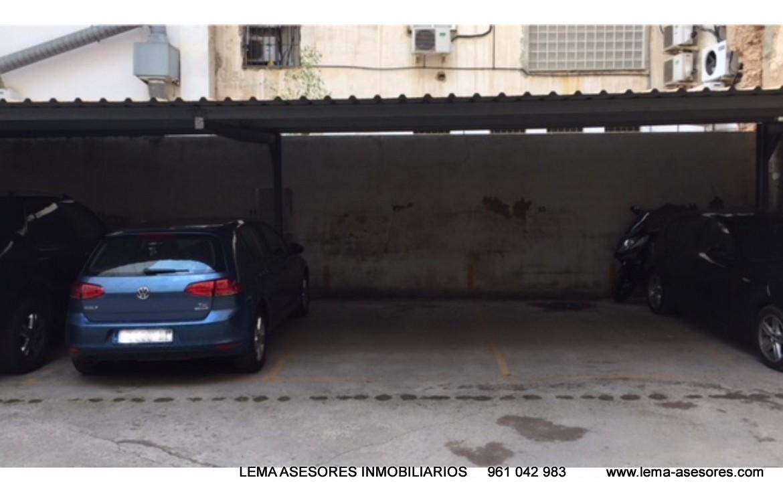 Vista del garaje del Piso en venta de Calle Rejas- lema asesores