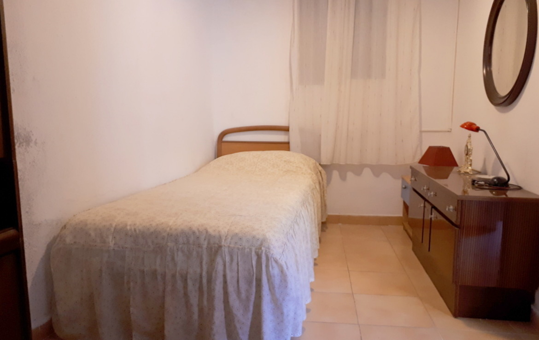 Vista de la cama del Piso en venta de Calle Calixto III- lema asesores